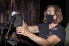 Donna DeFant Sanitizes